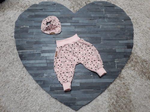 Pumhose mit Laetzchen rosa mit Herzchen